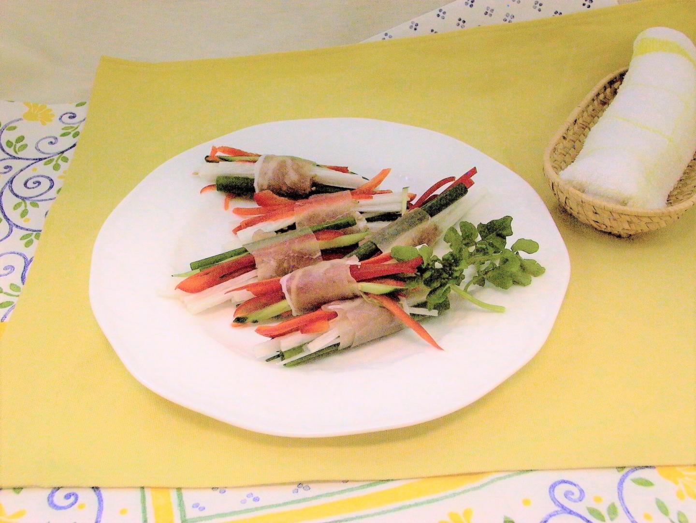 生ハムの野菜カラフルロール
